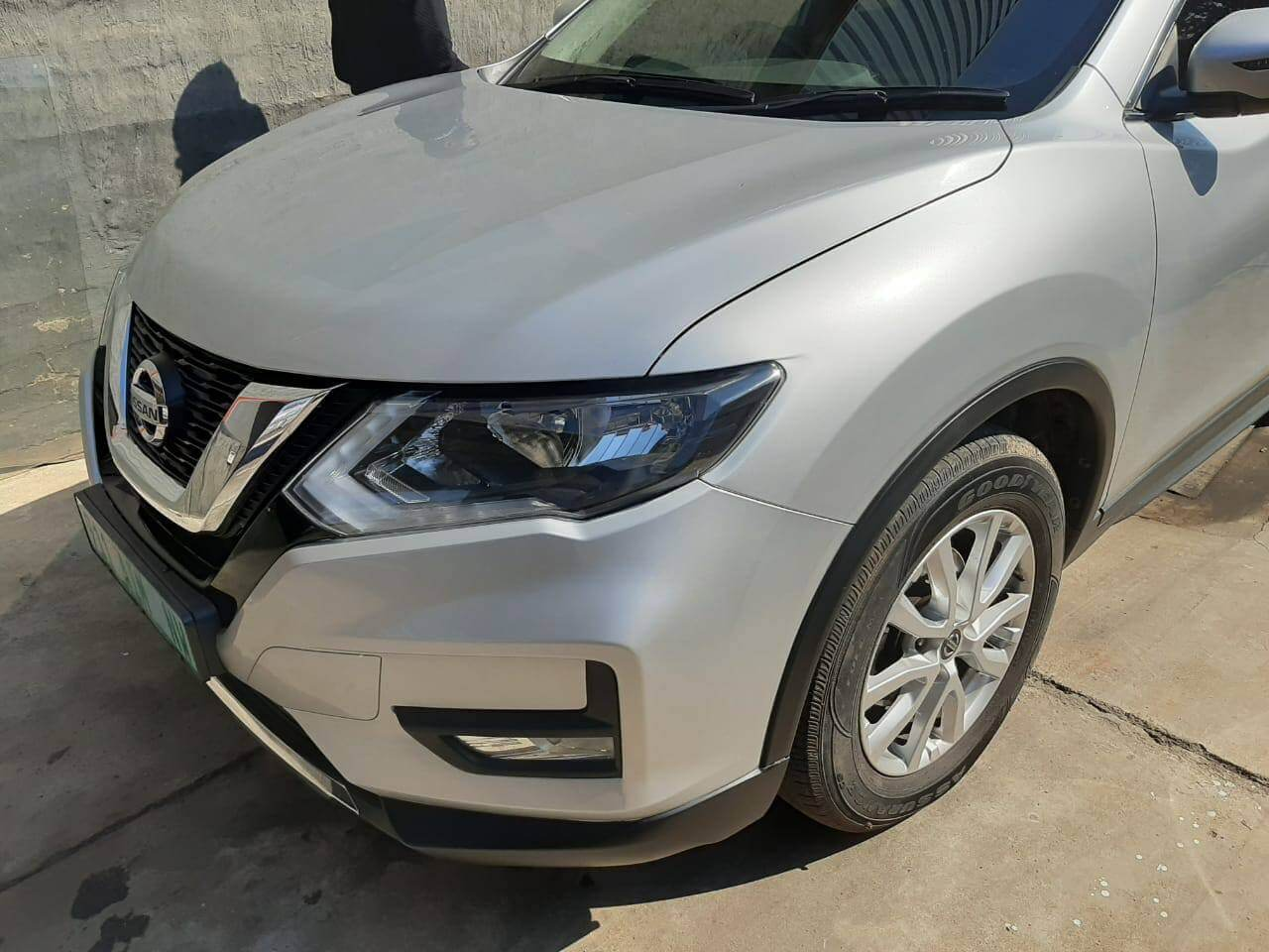 Nissan X-Trail - panelbeating bonnet complete at GP Motor Works