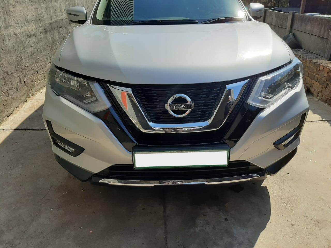 Nissan X-Trail - bonnet beautifully repaired at GP Motor Works