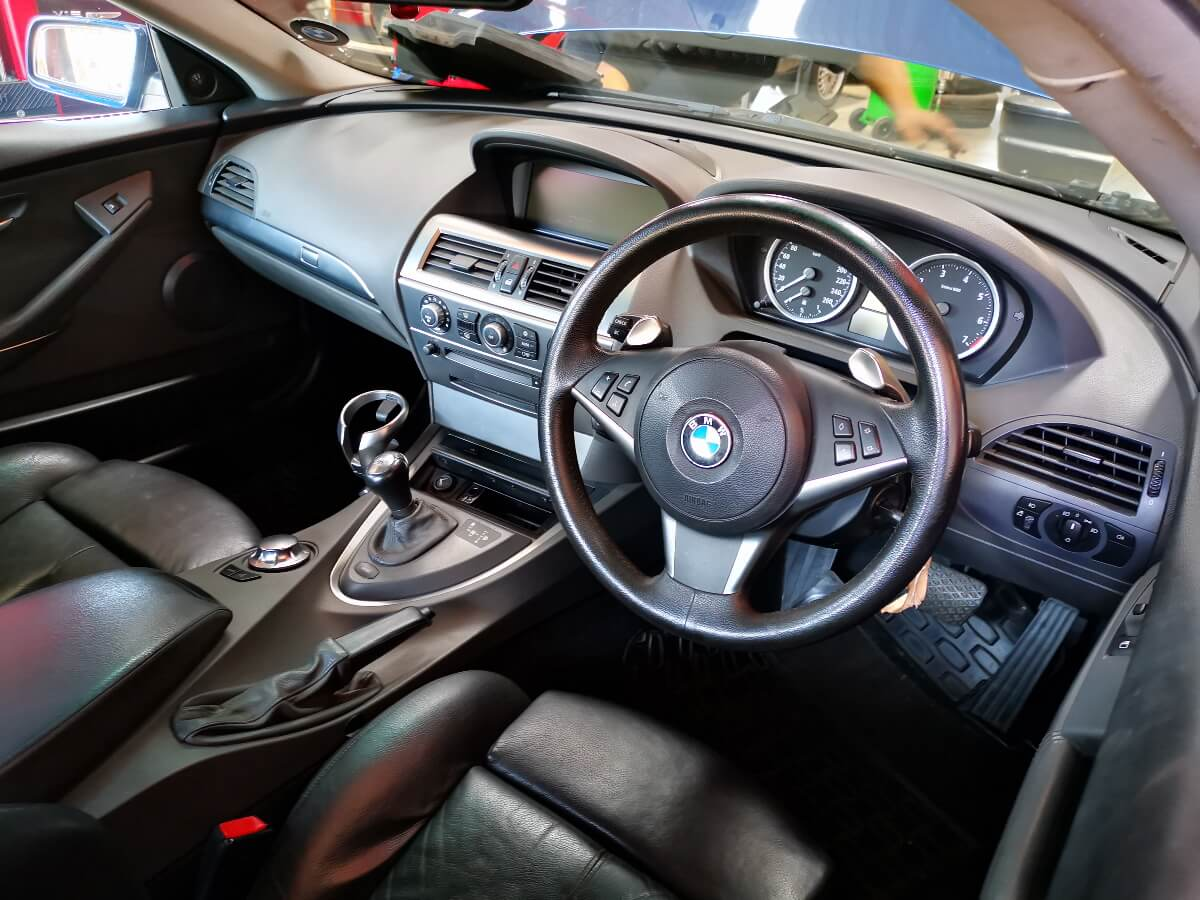 BMW M645 Ci - interior layout at GP Motor Works