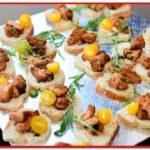 Tasty chicken bites on bread with garnish - MotorChef Cafe Launch