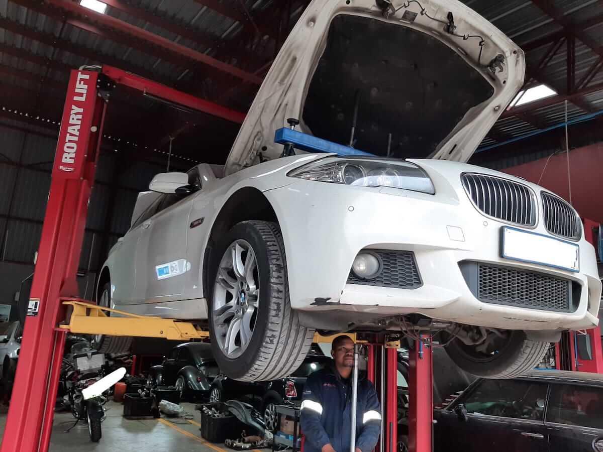 BMW 530i F10 catastrophic engine failure at GP Motor Works